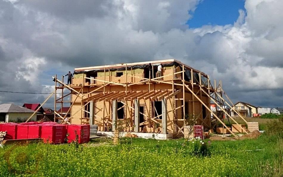Строительство кирпичного загородного дома, Горки