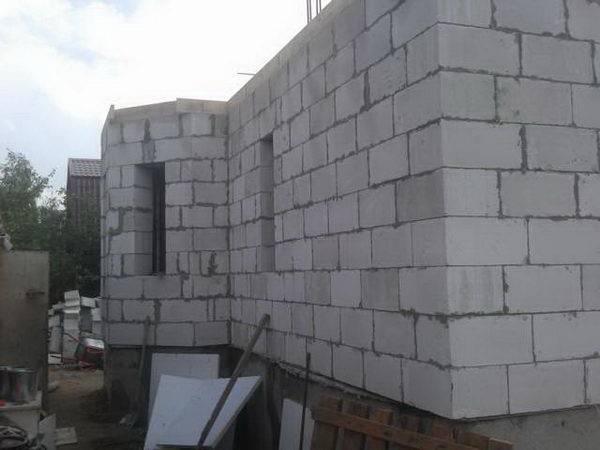 дом из газобетонных блоков штукатурка